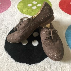 """""""NotRated"""" Eyelet Oxfords"""